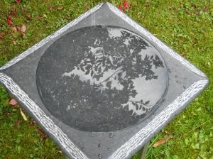 vogelbad 10, Iers hardsteen, 35x35x5,5cm